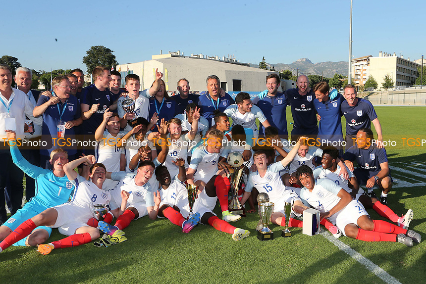 England players and staff celebrate winning the Trophy during England Under-18 vs Ivory Coast Under-20, Toulon Tournament Final Football at Stade de Lattre-de-Tassigny on 10th June 2017
