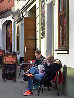 Caf&eacute; an der Vysoka, Bratislava, Bratislavsky kraj, Slowakei, Europa<br /> Caf&eacute; at Vysoka, Bratislava, Bratislavsky kraj, Slowakia, Europe