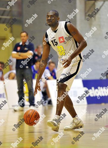 2010-09-12 / Basketbal / seizoen 2010-2011 / Sint Jan Basket / Hervé Djoumbisango..Foto: Mpics