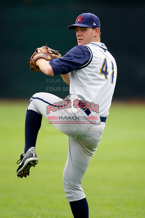 July 30, 2009:  Pitcher Victor Black of the State College Spikes during a game at Russell Diethrick Park in Jamestown, NY.  State College is the NY-Penn League Short-Season Class-A affiliate of the Pittsburgh Pirates.  Photo By Mike Janes/Four Seam Images