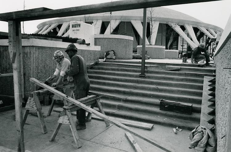 1971 November 05..Redevelopment...Downtown North (R-8)..Scope Construction..Millard Arnold.NEG# MDA71-154-28..