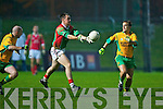 6472- 6474 Dj Moran Foilmore tries to pass the ball as Mike Murphy comes in his way........................... ..............................St Michael Foilmore v Gneeveguilla in The Castleisland Mart County Intermediate Final 2008 at Austin Stack Park Tralee on Wednesday