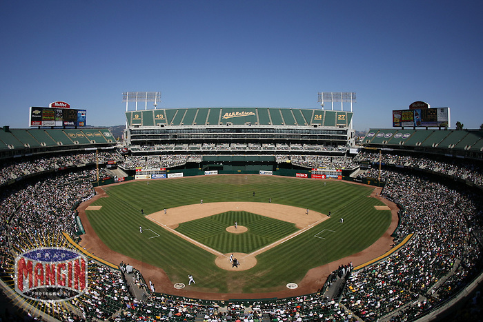 Stadium overall. Baseball: Baltimore Orioles vs Oakland Athletics at McAfee Coliseum in Oakland, CA on September 3, 2006. Photo by Brad Mangin