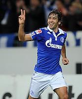FUSSBALL   1. BUNDESLIGA   SAISON 2011/2012    15. SPIELTAG FC Schalke 04 - FC Augsburg            04.12.2011 RAUL (Schalke) jubelt nach dem Tor zum 3:1