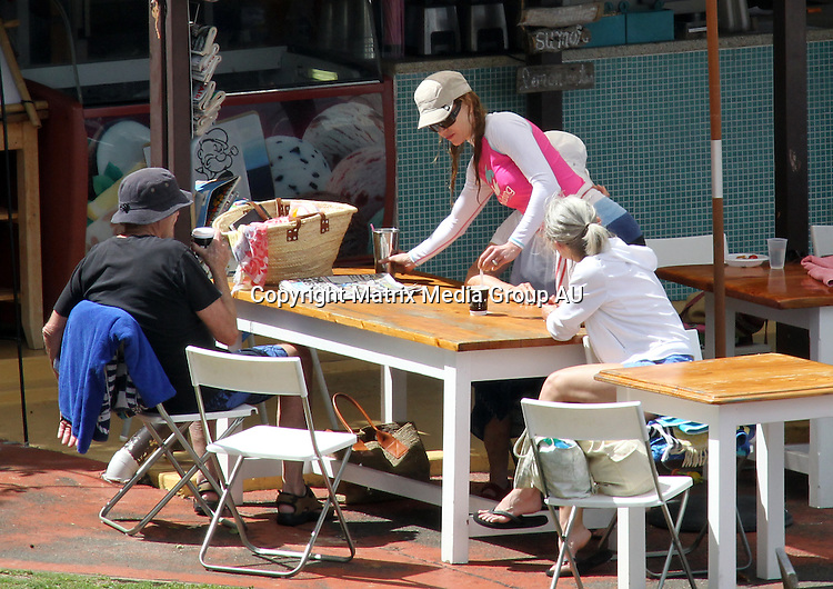 10 FEBRUARY 2010 SYDNEY AUSTRALIA<br /> <br /> EXCLUSIVE PICTURES<br /> <br /> Nicole Kidman and husband Keith Urban take daughter Sunday Rose for a swim and a play with the grandparents at Greenwich Baths