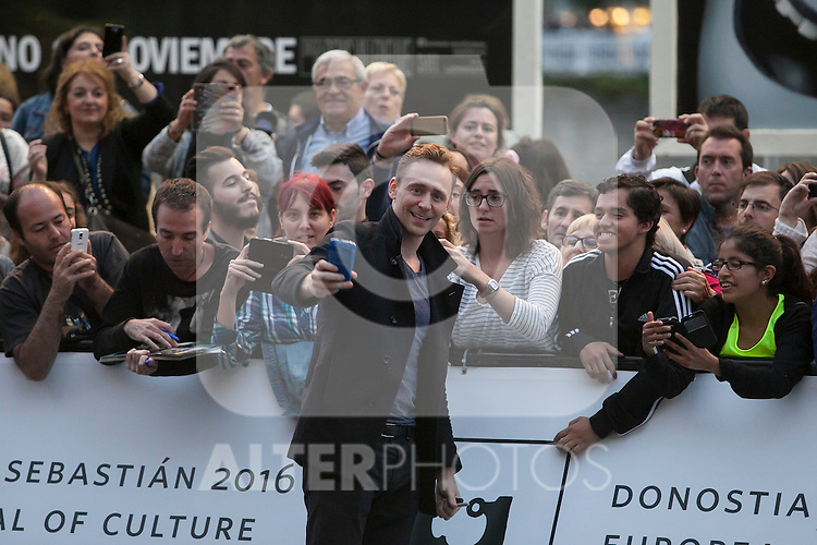British actor Tom Hiddleston arrives to Maria Cristina hotel during 63rd Donostia Zinemaldia (San Sebastian International Film Festival) in San Sebastian, Spain. September 21, 2015. (ALTERPHOTOS/Victor Blanco)