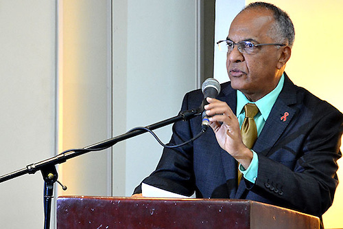 Dr Víctor Terrero.