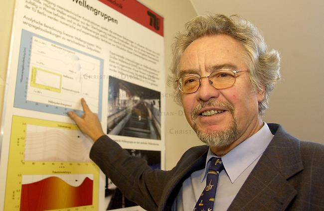 Prof. Dr.-Ing. Guenther F. Clauss<br /> Professor fuer Schiffs- und Meerestechnologie an der Technischen Universiteat Berlin. Er forscht zu dem Phaenomen der sogenannten &quot;Riesenwellen&quot;.<br /> Professor for Ship- and Marine science. He is a scientist for so called &quot;Monster waves&quot; at the Technical University in Berlin.<br /> 4.1.2002, Berlin<br /> Copyright: Christian-Ditsch.de<br /> [Inhaltsveraendernde Manipulation des Fotos nur nach ausdruecklicher Genehmigung des Fotografen. Vereinbarungen ueber Abtretung von Persoenlichkeitsrechten/Model Release der abgebildeten Person/Personen liegen nicht vor. NO MODEL RELEASE! Nur fuer Redaktionelle Zwecke. Don't publish without copyright Christian-Ditsch.de, Veroeffentlichung nur mit Fotografennennung, sowie gegen Honorar, MwSt. und Beleg. Konto: I N G - D i B a, IBAN DE58500105175400192269, BIC INGDDEFFXXX, Kontakt: post@christian-ditsch.de<br /> Bei der Bearbeitung der Dateiinformationen darf die Urheberkennzeichnung in den EXIF- und  IPTC-Daten nicht entfernt werden, diese sind in digitalen Medien nach &sect;95c UrhG rechtlich geschuetzt. Der Urhebervermerk wird gemaess &sect;13 UrhG verlangt.]