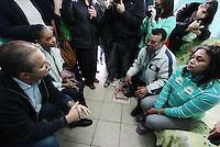 Osasco,SP - 28.07.2014 - INAUGURA&Ccedil;&Atilde;O COMIT&Ecirc; CASA DE EDUARDO E MARINA EM OSASCO EDUARDO CAMPOS E MARINA SILVA -  Foi inaugurada nesta manh&atilde; de segunda feira(28) o comit&ecirc; intitulado casa de Eduardo e Marina do candidato a presidente Eduardo Campos com presen&ccedil;a de sua vice Marina Silva em uma comunidade carente Jd. Alian&ccedil;a em Osasco.<br />na foto de camisa azul a dona da Casa do Maria e seu esposo sr. Edvaldo de blusa cinza- (Foto: Aloisio Mauricio / Brazil Photo Press)