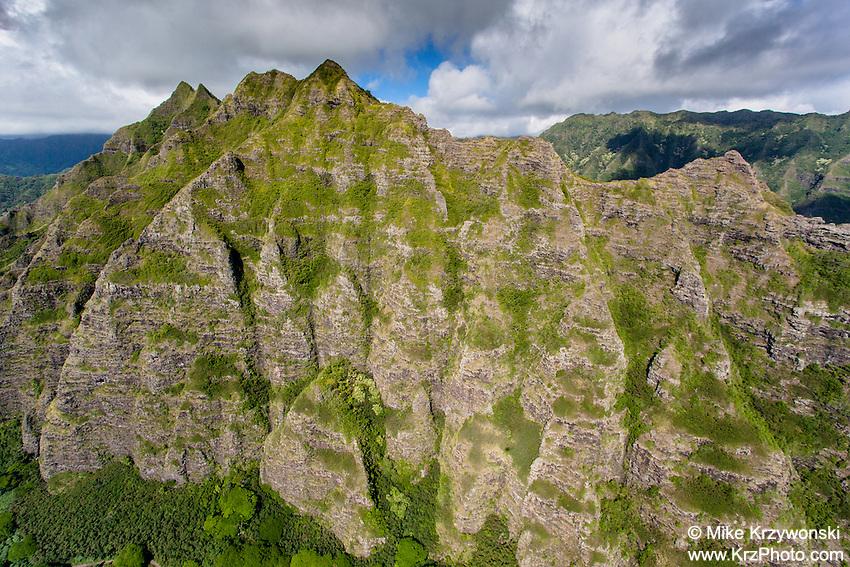 Aerial view of the Ko'olau mountains, East Oahu