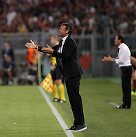 Calcio, Champions League, Gruppo E: Roma vs Barcellona. Roma, stadio Olimpico, 16 settembre 2015.<br /> FC Barcelona&rsquo;s coach Luis Enrique gives indications to his players during a Champions League, Group E football match between Roma and FC Barcelona, at Rome's Olympic stadium, 16 September 2015.<br /> UPDATE IMAGES PRESS/Isabella Bonotto<br /> <br /> *** ITALY AND GERMANY OUT ***