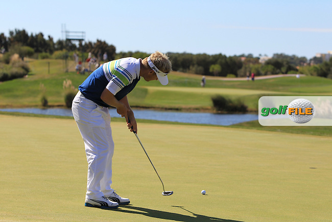 Soren Kjeldsen (DEN) putts on the 13th green during Sunday's Final Round of the Portugal Masters at the Oceanico Victoria Golf Course, Vilamoura, Portugal 14th October 2012 (Photo Eoin Clarke/www.golffile.ie)