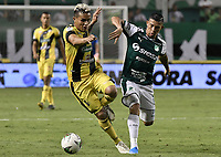 PALMIRA - COLOMBIA, 17-09-2019: Carlos Rodriguez del Cali disputa el balón con Juan David Rios de Alianza durante partido entre Deportivo Cali y Alianza Petrolera por la fecha 11 de la Liga Águila II 2019 jugado en el estadio Deportivo Cali de la ciudad de Palmira. / Carlos Rodriguez of Cali vies for the ball with Juan David Rios of Alianza during match between Deportivo Cali and Alianza Petrolera for the date 11 as part Aguila League II 2019 played at Deportivo Cali stadium in Palmira city. Photo: VizzorImage / Gabriel Aponte / Staff