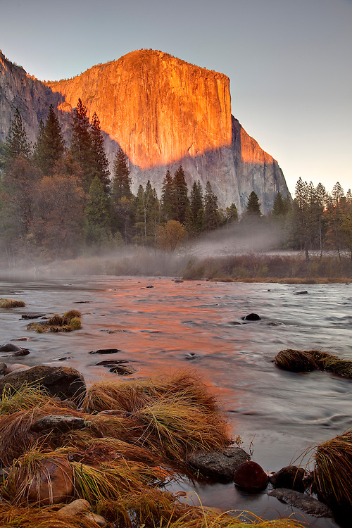 Sunset on El Capitan in Yosemite Valley in Winter