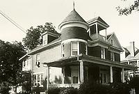UNDATED..Conservation.Lafayette-Winona...1531 VERSAILLES AVENUE.BEFORE...NEG#.NRHA#..