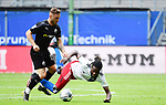 v.l. Robin Scheu, Gideon Jung (HSV)<br />Hamburg, 28.06.2020, Fussball 2. Bundesliga, Hamburger SV - SV Sandhausen<br />Foto: VWitters/Witters/Pool//via nordphoto<br /> DFL REGULATIONS PROHIBIT ANY USE OF PHOTOGRAPHS AS IMAGE SEQUENCES AND OR QUASI VIDEO<br />EDITORIAL USE ONLY<br />NATIONAL AND INTERNATIONAL NEWS AGENCIES OUT