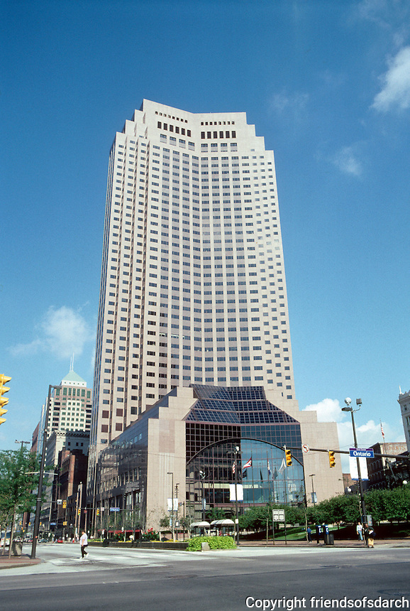 Cleveland: BP America Building, 1985. H-O-K St. Louis, arch. 45 stories, 650 ft., but cordial, with an 8 story atrium facing public square. Photo '01.