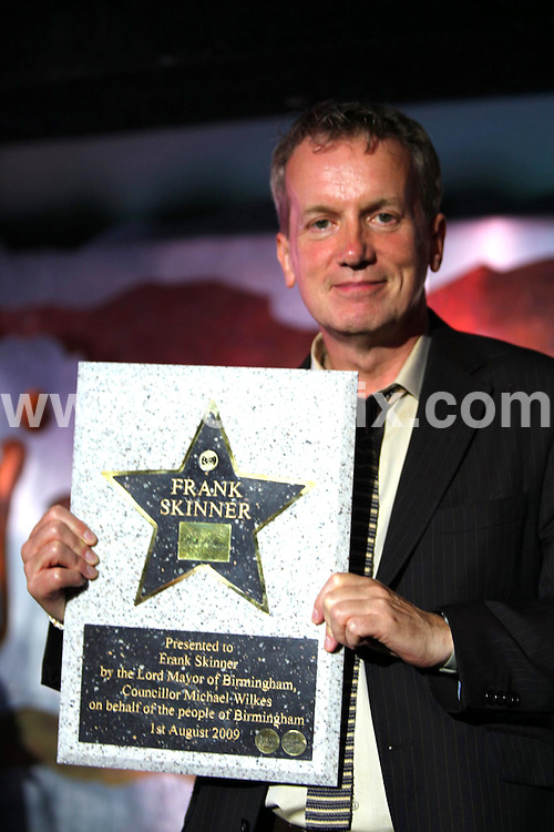 "**ALL ROUND PICTURES FROM SOLARPIX.COM**.**WORLDWIDE SYNDICATION RIGHTS**.comedian and presenter Frank Skinner being inducted into Birmingham's ""Walk of the Stars"" at Jongleurs Comedy club. The presentation was made by the Lord Mayor of Birmingham, Counsellor Michael Wilkes. Birmingham, UK. 1 August 2009.This pic: Frank Skinner..JOB REF: 9664 NYA     DATE: 01_08_2009.**ALL ROUND EXCLUSIVE PICTURES FROM SOLARPIX.COM"