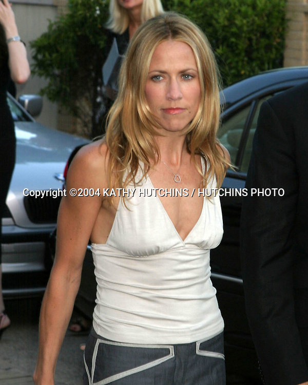 ©2004 KATHY HUTCHINS /HUTCHINS PHOTO.FALL 2004  LANVIN FASHION SHOW BENEFITING THE RAP FUNDATION.BEVELRY HILLS, CA.MAY 12, 2004..SHERYL CROW