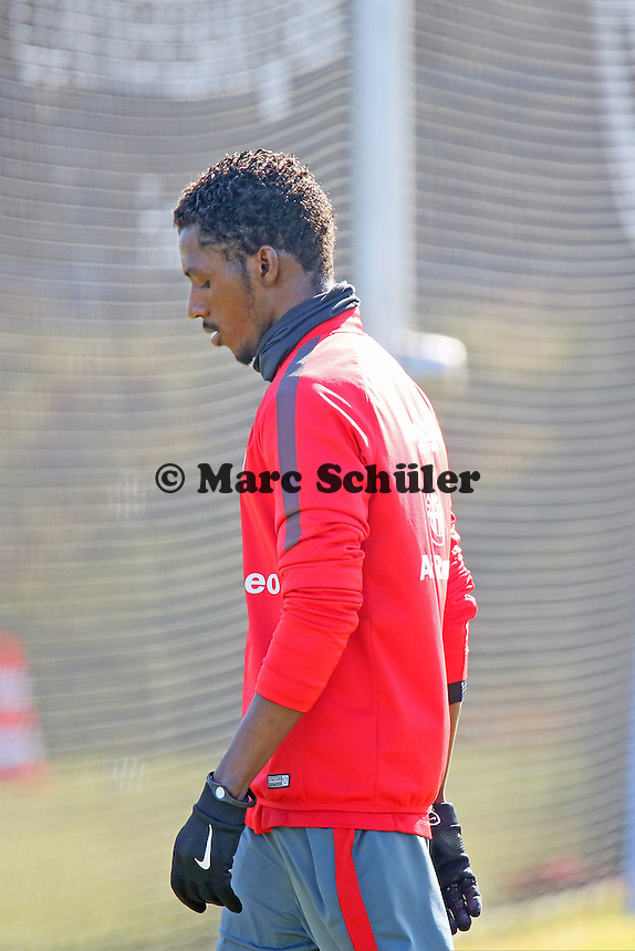 Yusupha Yaffa (Eintracht) muss alleine trainieren - Eintracht Frankfurt Training, Commerzbank Arena