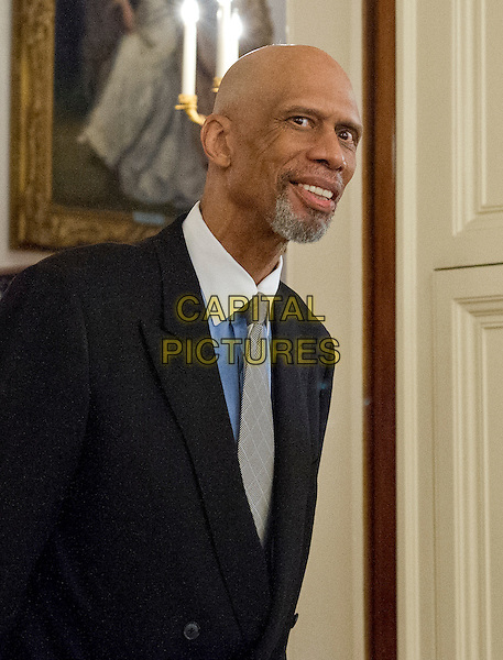 Former NBA star Kareem Abdul-Jabbar arrives to accept Presidential Medal of Freedom, the Nation&iacute;s highest civilian honor, from United States President Barack Obama in the East Room of the White House in Washington, DC on November 22, 2016.<br /> CAP/MPI/RS<br /> &copy;RS/MPI/Capital Pictures