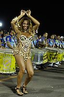 SÃO PAULO, SP, 29 DE JANEIRO DE 2012 - ENSAIO TÉCNICO ACADEMICOS DO TUCURUVI - Musa da Bateria Renê Oliveira durante ensaio técnico da Escola de Samba Acadêmicos do Tucuruvi na preparação para o Carnaval 2012. O ensaio foi realizado  neste domingo (29) no Sambódromo do Anhembi, zona norte da cidade. FOTO: LEVI BIANCO - NEWS FREE