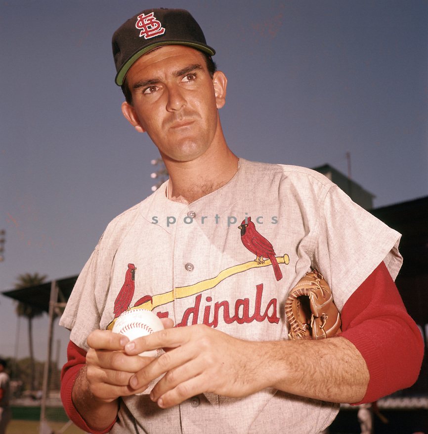 St. Louis Cardinals Ernie Broglio (32) portrait from his 1961 season with the Cardinals. Ernie Broglio played for 9  years with 2 different teams. <br /> (SportPics)