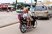 street life,Siem Reap <br /> , Cambodia<br /> <br /> PHOTO :  Agence Quebec Presse<br /> <br /> <br /> <br /> <br /> <br /> PHOTO : Agence Quebec Presse