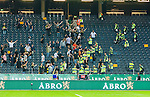 Solna 2015-08-10 Fotboll Allsvenskan AIK - Djurg&aring;rdens IF :  <br /> Supportrar s&ouml;ker br&aring;k p&aring; l&auml;ktaren men stoppas av ordningsvakter efter matchen mellan AIK och Djurg&aring;rdens IF <br /> (Foto: Kenta J&ouml;nsson) Nyckelord:  AIK Gnaget Friends Arena Allsvenskan Djurg&aring;rden DIF supporter fans publik supporters slagsm&aring;l br&aring;k fight fajt gruff