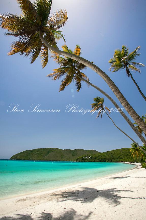 Maho Bay beach<br /> Virgin Islands National Park<br /> St. John<br /> US Virgin Islands