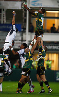 Photo: Richard Lane/Richard Lane Photography. Northampton Saints v Castres Olympique. Heineken Cup. 08/10/2010. Saints' Courtney Lawes wins a lineout.