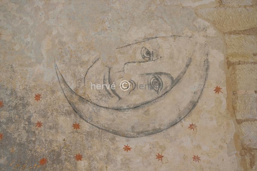 France, Aquitaine, Dordogne (24), Montferrand-du-Périgord, chapelle Saint-Christophe, l'intérieur recouvert de fresques // France, Aquitaine, Dordogne, Montferrand-du-Périgord, chapel Saint-Christophe, frescoes
