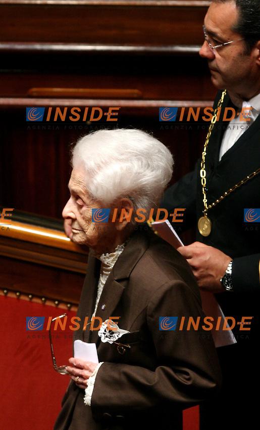 Roma, 28/04/2006 Senato:Votazione per il Presidente<br /> Nella foto  la senatrice a vita Rita Levi Montalcini durante il voto<br /> Photo Serena Cremaschi Insidefoto