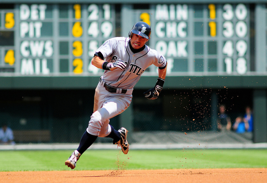 June 14, 2009: Mariners outfielder Ichiro Suzuki rounds 2nd base during a game between the Seattle Mariners and the Colorado Rockies at Coors Field in Denver, Colorado. The Rockies beat the Mariners 7-1 to tie a club record with 11 straight wins.