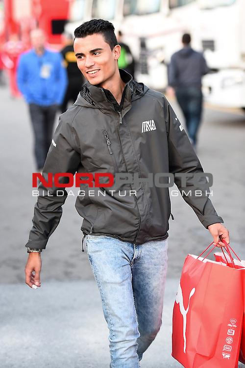 Formel 1 Testfahrten 2016 in Barcelona<br /> Pascal Wehrlein (GER#94), Manor Racing MRT im Fahrerlager<br /> <br /> <br /> Foto &copy; nordphoto /  Bratic