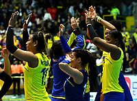 BOGOTÁ-COLOMBIA, 09-01-2020: Jugadoras de Colombia, al final de partido entre Argentina y Colombia en el Preolímpico Suramericano de Voleibol, clasificatorio a los Juegos Olímpicos Tokio 2020, jugado en el Coliseo del Salitre en la ciudad de Bogotá del 7 al 9 de enero de 2020. / Players of Colombia, at the end of a match between Argentina and Colombia, in the South American Volleyball Pre-Olympic Championship, qualifier for the Tokyo 2020 Olympic Games, played in the Colosseum El Salitre in Bogota city, from January 7 to 9, 2020. Photo: VizzorImage / Luis Ramírez / Staff.