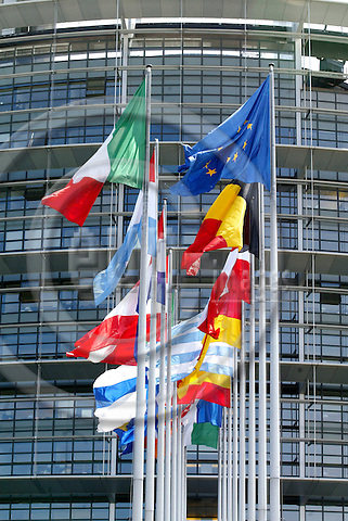 STRASBOURG - FRANCE - 21 APRIL 2004--Flags in front of the European Parliament in Strasbourg-- PHOTO: ERIK LUNTANG / EUP-IMAGES