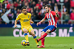 Saul Niguez Esclapez (R) of Atletico de Madrid battles for the ball with Jonathan Calleri of UD Las Palmas during the La Liga 2017-18 match between Atletico de Madrid and UD Las Palmas at Wanda Metropolitano on January 28 2018 in Madrid, Spain. Photo by Diego Souto / Power Sport Images