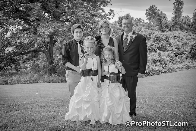 A&J wedding - posed monochromatic photos