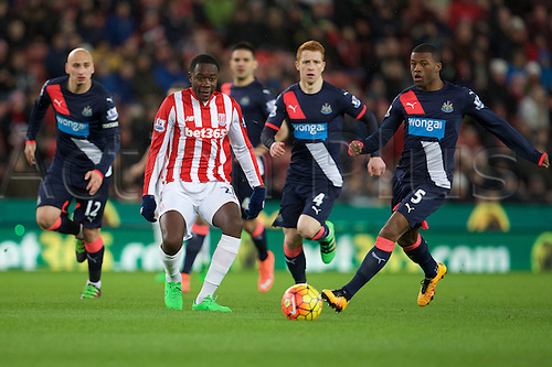 02.03.2016. The Britannia Stadium, Stoke, England. Barclays Premier League. Stoke City versus Newcastle United. Stoke City midfielder Giannelli Imbula and Newcastle United midfielder Georginio Wijnaldum.