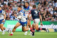 Roger Tuivasa-Sheck on attack. Sydney Roosters v Vodafone Warriors, NRL Rugby League. Allianz Stadium, Sydney, Australia. 31st March 2018. Copyright Photo: David Neilson / www.photosport.nz