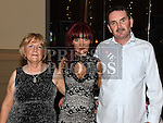 Karen Coogan celebrating her 21st birthday in the Thatch with parents Martin and Mary. Photo:Colin Bell/pressphotos.ie