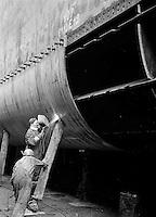 Mei 1962.  Scheepswerf Mercantile Marine Engineering in Antwerpen.  Schip Benjamin Coates uit Monrovia.