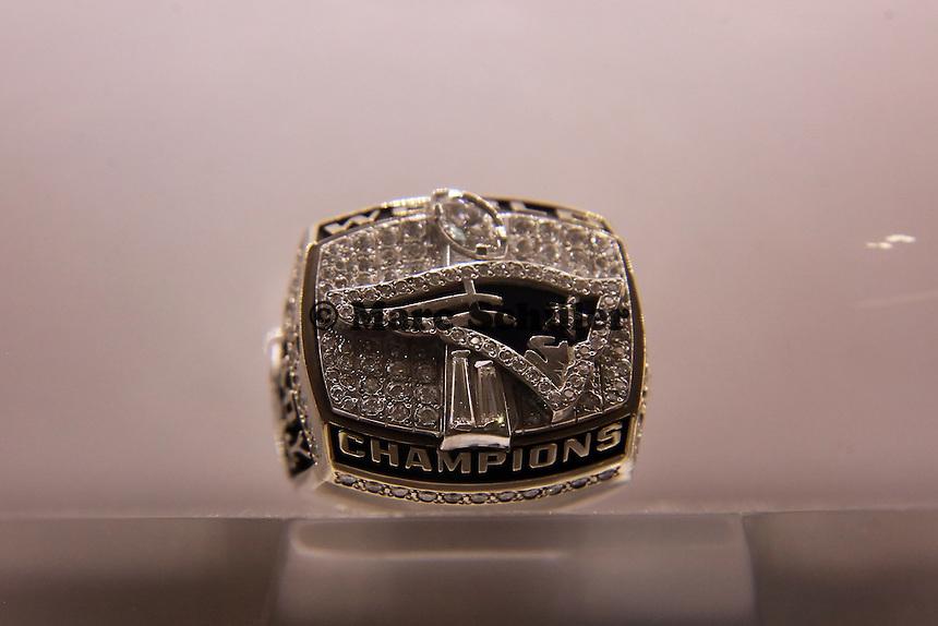 Super Bowl Ringe der einzelnen Siegerteams: XXVI New England Patriots 2001