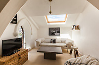 BNPS.co.uk (01202 558833)<br /> Pic: Foxtons/BNPS<br /> <br /> Gangster Pile...<br /> <br /> Grab a bit of London's history! Two-bed flat in converted church where gangster Reggie Kray got married in 1965 before being in 2015 Tom Hardy movie is on sale at £450,000<br /> <br /> *Reggie Kray marriedFrances Shea in 1965 at London East End church where two-bedroom flat is on market<br /> <br /> *The Church of St James the Great also appeared inthe 2015 Tom Hardy film Legend about the Kray twins<br /> <br /> *Flat at the top of the conversion has stunning original features including arched windows, painted stone walls and carved stonework<br /> <br /> *Built in 1844, the building was also where the funeral was held for Frances when she committed suicide at 23