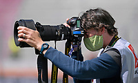 Augsburg WWK Arena Bayern Deutschland *** 16 05 2020, FC Augsburg VfL Wolfsburg 16 05 2020, Football 1 Bundesliga 2019 2020, 26 matchday, FC Augsburg VfL Wolfsburg, in the WWK Arena Augsburg, media representatives Press Photographer with face mask Photo Bernd Feil M i S Pool <br /> Fotografo con mascherina