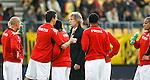Nederland, Kerkrade, 2 november 2008 .Eredivisie .Seizoen 2008-2009 .Roda JC-Feyenoord (4-0) .Gertjan Verbeek (m), trainer-coach van Feyenoord staat tussen zijn spelers