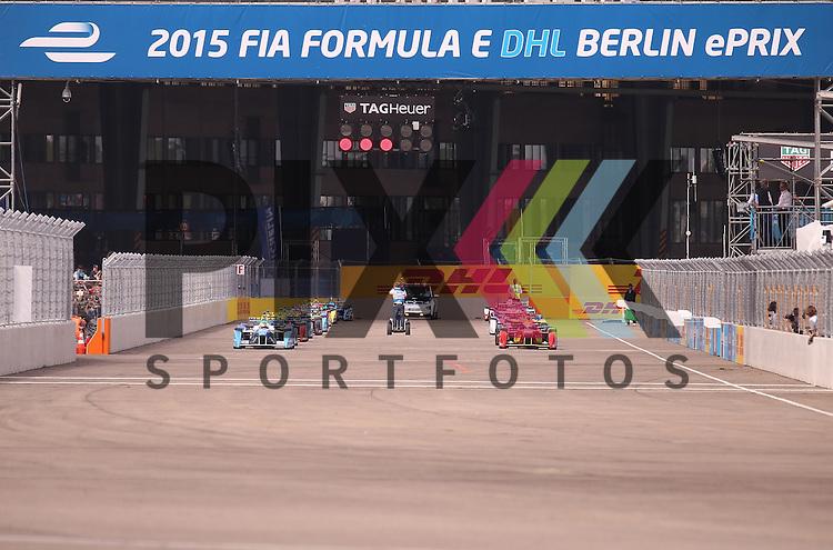 Berlin, 23.05.2015, Motorsport, FIA Formel E Championship, Formel E DHL Berlin ePrix, 8. Rennen :<br /> <br /> Foto &copy; P-I-X.org *** Foto ist honorarpflichtig! *** Auf Anfrage in hoeherer Qualitaet/Aufloesung. Belegexemplar erbeten. Veroeffentlichung ausschliesslich fuer journalistisch-publizistische Zwecke. For editorial use only.