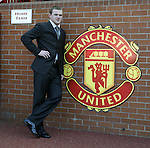 010904 Wayne Rooney signs for Manchester Utd