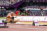 Engeland, London, 4 Augustus 2012.Olympische Spelen London.Meerkampster Nadine Broersen in actie op het onderdeel verspringen op de Olympische Spelen in Londen 2012. Broersen noteerde in drie pogingen 5,94 meter als beste afstand bij het verspringen. De 22-jarige atlete maakte in het klassement een kleine sprong voorwaarts, van plaats 20 naar 19